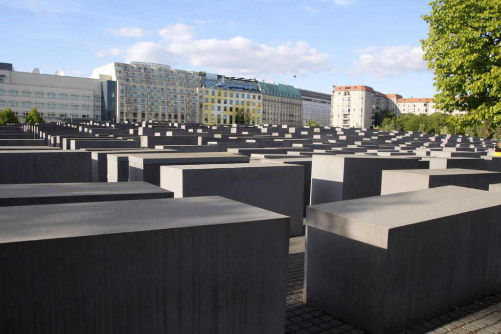 Zicht op het Holocaust Monument in Berlijn.