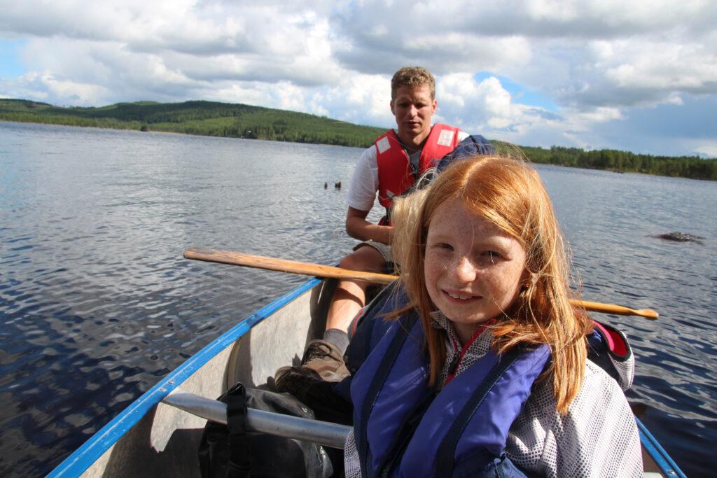 In de kano op een meertje in Zweden.