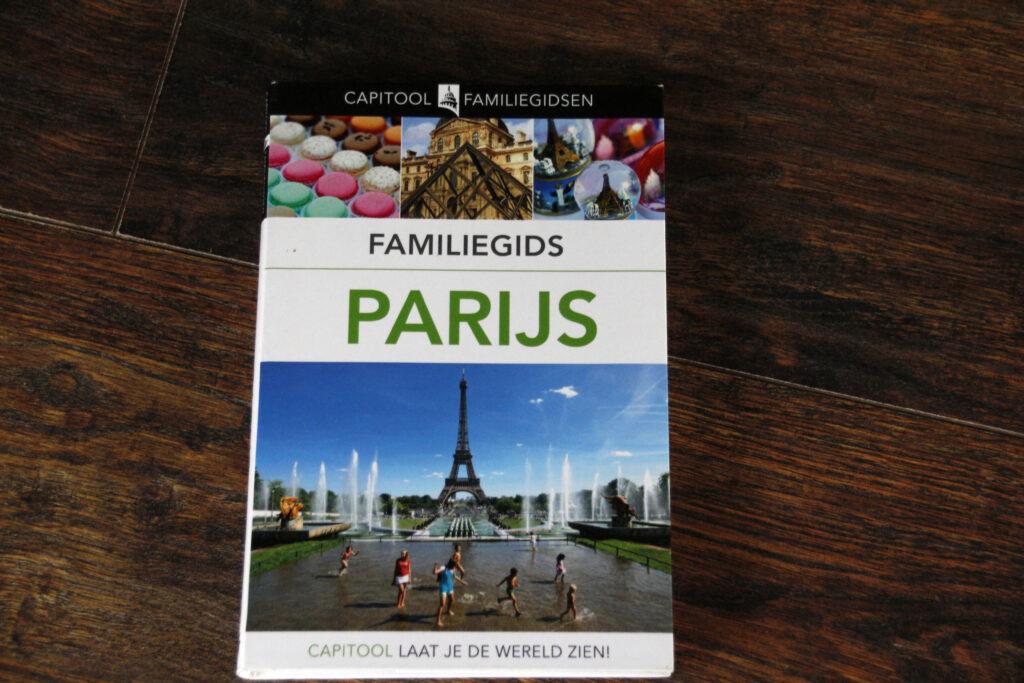 Boek Capitool Familiegids Parijs