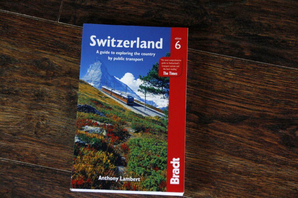 Boek Switzerland, a guide to exploring the country by public transport. Geschreven door Anthony Lambert.