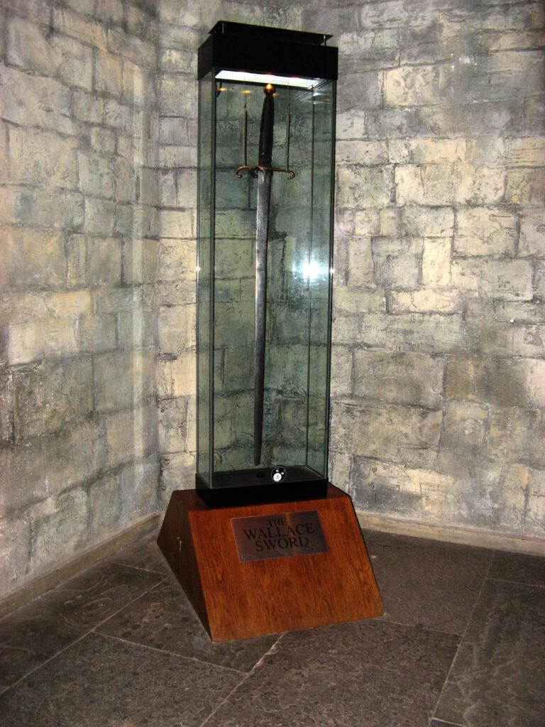 Het zwaard van William Wallace is gigantisch, de man moet een reus geweest zijn.