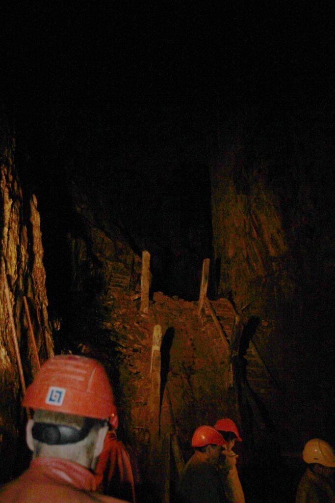 Een ondergrondse rondleiding door de kopermijn van Falun raden wij zeker aan.