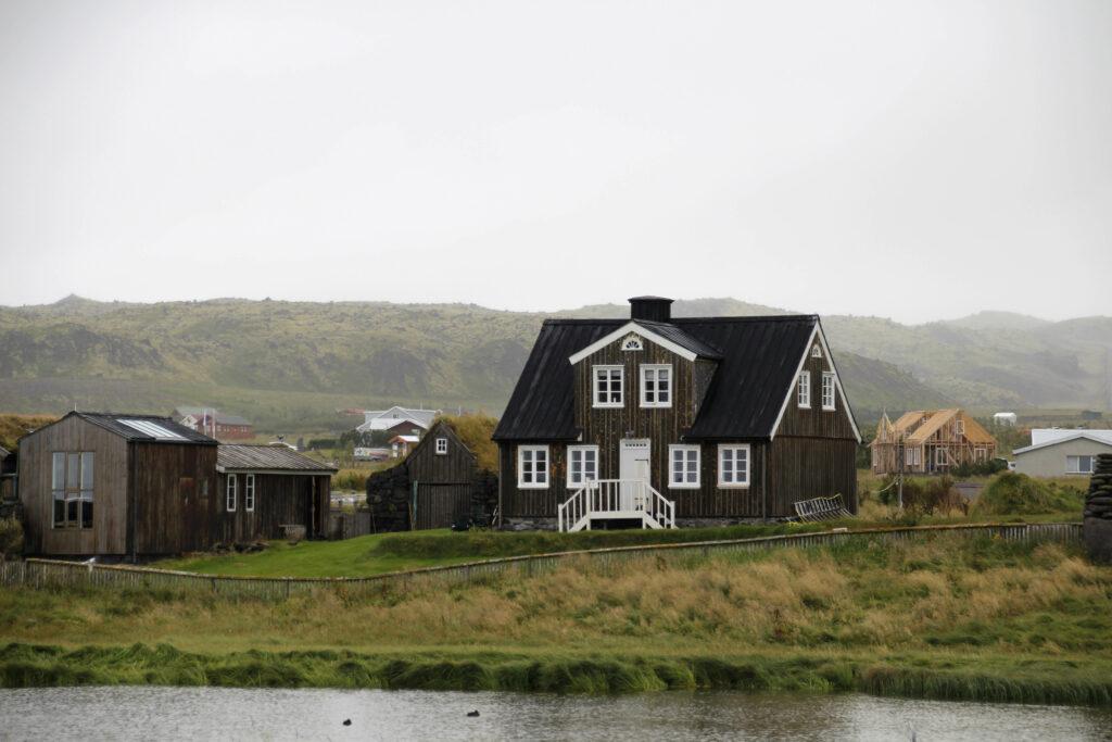 IJslands dorpje, Snaefellsnes schiereiland.