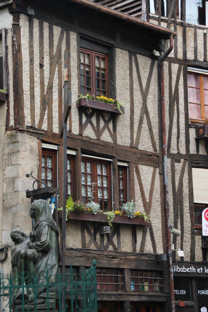 In het Slagerskwartier lijken de huizen zo uit de Middeleeuwen te komen.