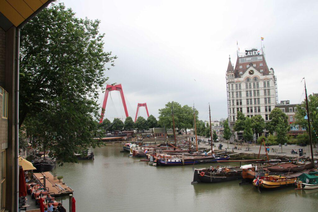 de Oude Haven van Rotterdam met het Witte Huis.